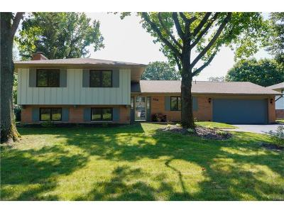 Kettering Single Family Home Active/Pending: 5603 Oak Valley Road