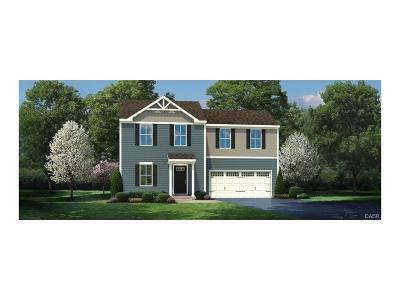Xenia Single Family Home For Sale: 122 Shannon Lane
