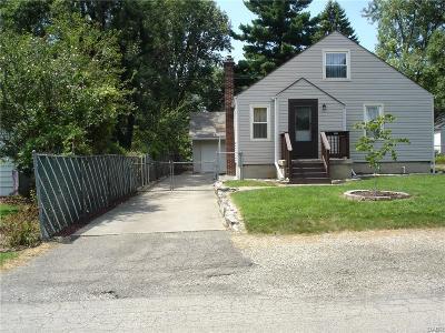 Fairborn Single Family Home For Sale: 1401 Arlington Drive