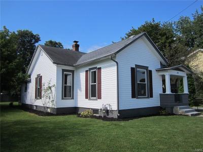 Fairborn Single Family Home For Sale: 20 Dayton Drive