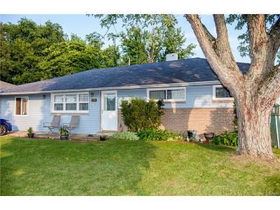 Huber Heights Single Family Home Active/Pending: 5766 Rosebury Drive