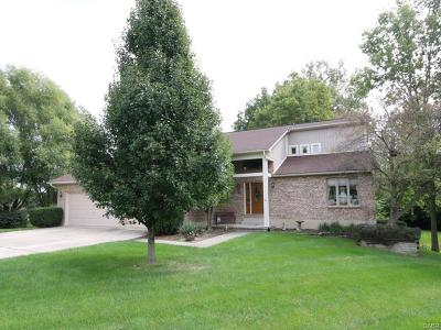 Tipp City Single Family Home For Sale: 610 Redwood Square