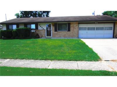Huber Heights Single Family Home For Sale: 7430 Stonehurst Drive