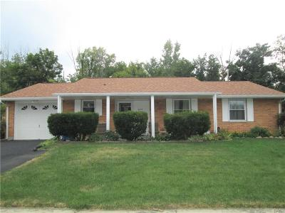 Huber Heights Single Family Home For Sale: 6655 Pegwood Court