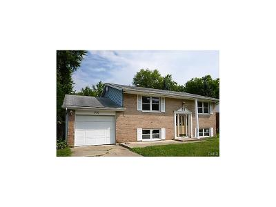 Xenia Single Family Home For Sale: 870 Murray Hill Drive