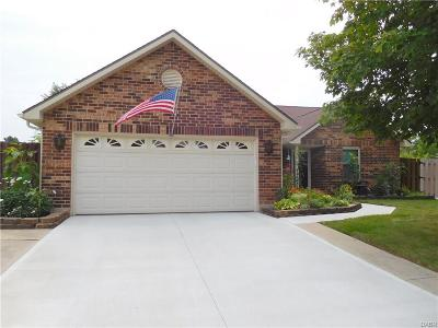 Huber Heights Single Family Home For Sale: 8760 Candlestick Lane
