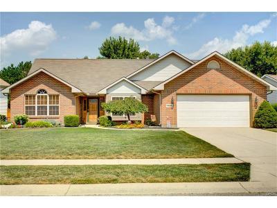 Fairborn Single Family Home For Sale: 7922 Kings Ridge Circle