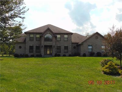 Dayton Single Family Home For Sale: 5500 Beejay Court