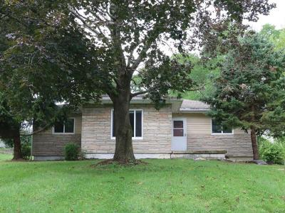 Fairborn Single Family Home For Sale: 3249 Boxwood Drive