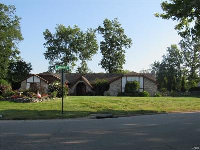 Tipp City Single Family Home For Sale: 7515 Whispering Oaks Trail