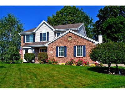 Fairborn Single Family Home Active/Pending: 2371 Watchtower Lane
