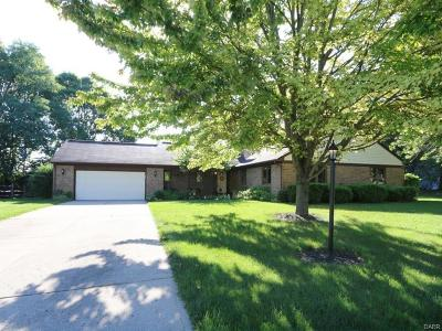 Beavercreek Single Family Home Active/Pending: 700 Burntwood Drive