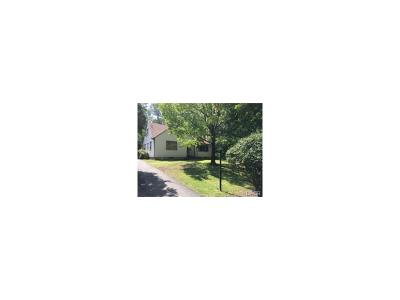 Dayton Single Family Home For Sale: 328 Heikes Avenue
