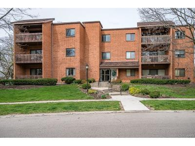 Kettering Condo/Townhouse For Sale: 3285 Southdale Drive #1