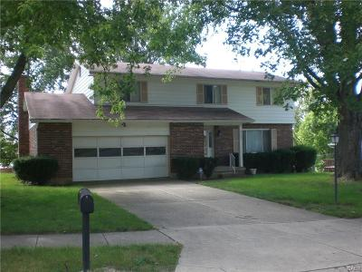 Dayton Single Family Home For Sale: 4735 Kentfield Drive