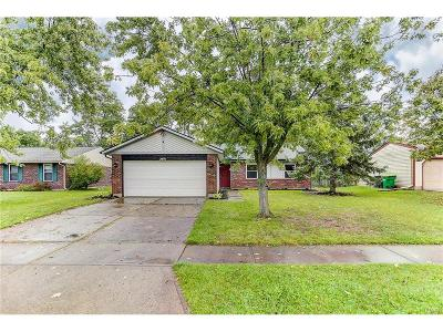 Miamisburg Single Family Home Active/Pending: 2491 Windsor Village Drive