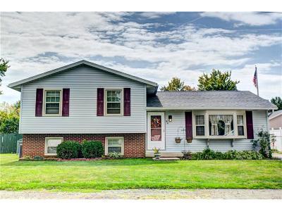 Fairborn Single Family Home For Sale: 44 Oakwood Avenue