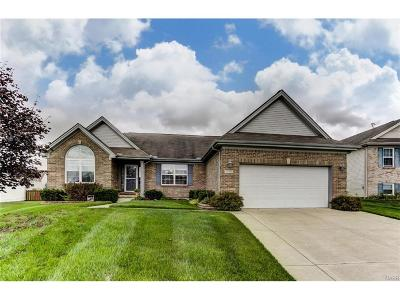 Fairborn Single Family Home For Sale: 1480 Observatory Drive