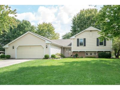 Dayton Single Family Home For Sale: 830 Rockcreek Drive