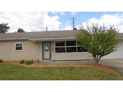 Fairborn Single Family Home For Sale: 1261 Central Avenue