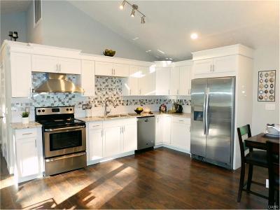 Beavercreek OH Single Family Home For Sale: $159,900