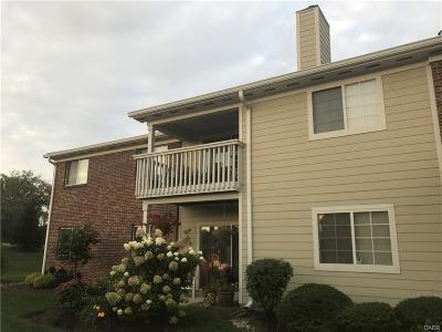 Dayton Condo/Townhouse For Sale: 6605 Brigham Square #5