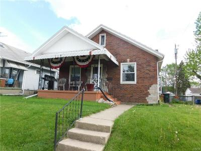 Dayton Single Family Home For Sale: 114 Puritan Place