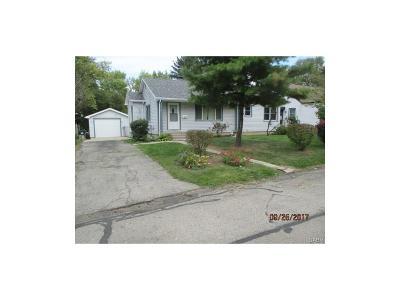 Dayton Single Family Home For Sale: 4510 Catalpa Drive