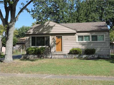 Kettering Single Family Home Active/Pending: 1725 Kruss Avenue