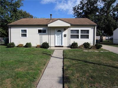 Fairborn Single Family Home For Sale: 215 Redbank Drive