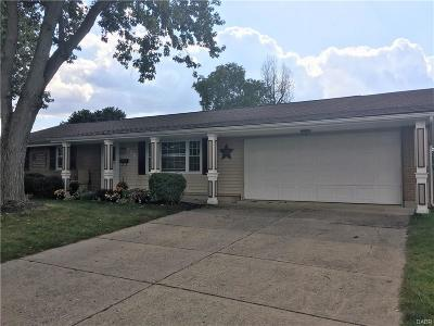 Fairborn Single Family Home For Sale: 455 Rising Hill Drive