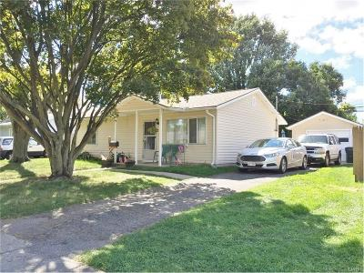 Xenia Single Family Home For Sale: 987 Stewart