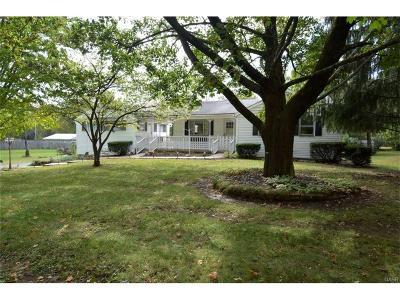 Beavercreek Single Family Home For Sale: 3913 Winthrop Drive