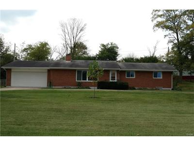 Fairborn Single Family Home For Sale: 3275 Boxwood Drive