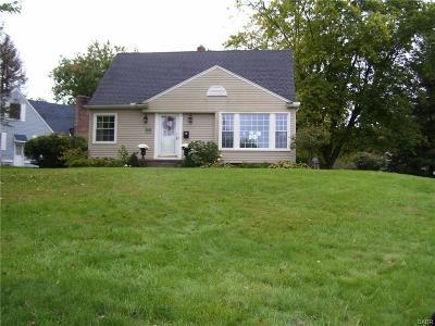 Xenia Single Family Home For Sale: 415 Stadium Drive