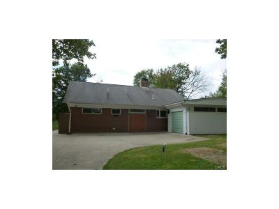 Kettering Single Family Home For Sale: 662 Dorothy Lane