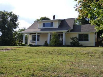 Beavercreek Single Family Home For Sale: 3041 Lewiston Drive