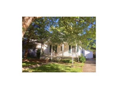 Fairborn Single Family Home For Sale: 25 Mann Avenue