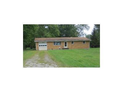 Beavercreek Single Family Home For Sale: 1698 Pierce Drive