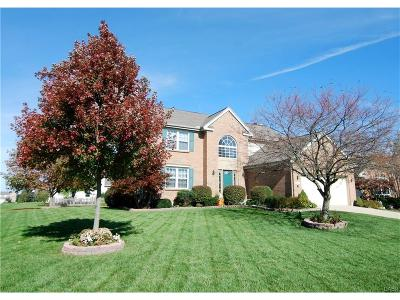 Fairborn Single Family Home For Sale: 1415 Gatehouse Court
