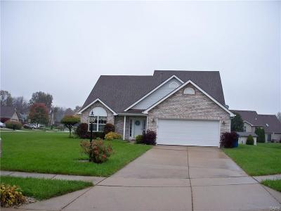 Huber Heights Single Family Home Active/Pending: 6805 Watergreen Court