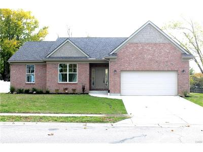 Dayton Single Family Home For Sale: 3100 White Oak Court