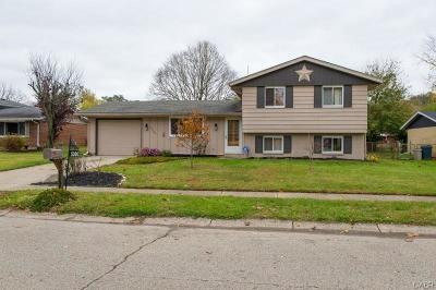 Fairborn Single Family Home For Sale: 5300 Waverly Street