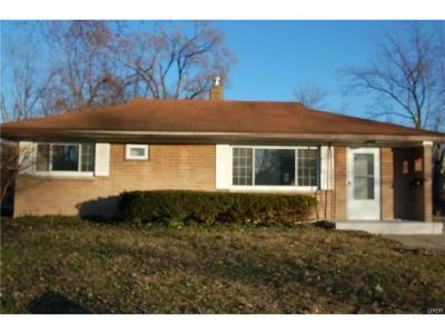 Kettering Single Family Home Active/Pending: 3814 Kingswood Drive