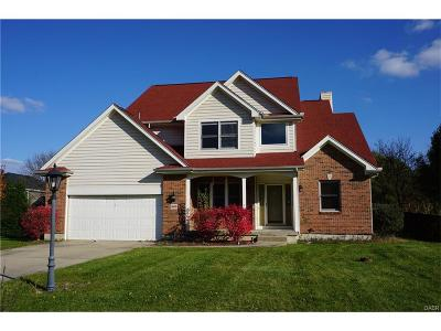 Beavercreek Single Family Home For Sale: 860 Autumn Leaf Drive