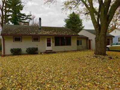 Yellow Springs Single Family Home For Sale: 1318 Shawnee Drive