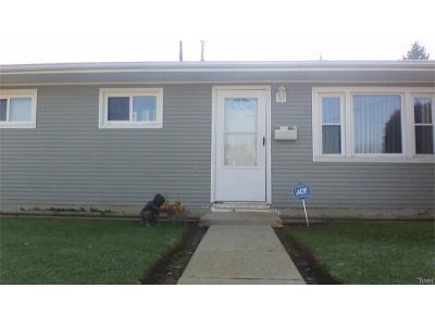 Fairborn Single Family Home For Sale: 1108 Maple Avenue