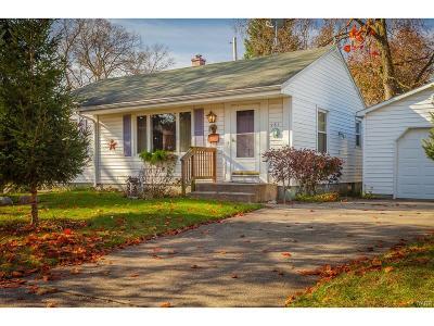 Dayton Single Family Home For Sale: 261 Delmar Avenue