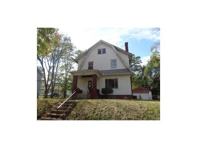Dayton Single Family Home For Sale: 349 Cherry Drive