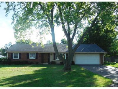 Beavercreek Single Family Home For Sale: 2761 Rockledge Trail
